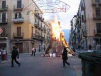 i vampi di San Giuseppi Enorme catasta di legni in fiamme tradizioni che scompaiono a Palermo I VAMPI DI SAN GIUSEPPE   - Palermo (5180 clic)