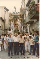 comitato storico in posa 1986 - Festa di S. Sebastiano - in primo piano il Comitato storico dei festeggiamenti Corona, Campisi e Greco  - Motta d'affermo (10525 clic)