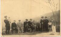 1938 - Foto di gruppo raffigurante i notabili del paese, durante il periodo fascista, tra cui il segretario politico e l'immancabile podestà.  - Motta d'affermo (3943 clic)