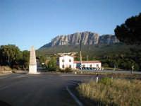 IL PICCOLO BORGO AI PIEDI DEL MASSICCIO DELLA ROCCA DI BUSAMBRA  I MIEI SITI INTRNET:  http://www.facebook.com/profile.php?id=1436166951&src=fftb  http://www.facebook.com/profile.php?id=1436166951&src=fftb#/group.php?gid=42074092367&ref=share  http://www.foto-sicilia.it/fotografo.cfm?IDFotografo=1659  http://www.fotografieitalia.it/fotografo.cfm?ID=1356   - Ficuzza (3593 clic)