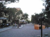LA PICCOLA STAZIONE FERROVIARIA DISMESSA NEL 1956 SAPIENTEMENTE RISTRUTTURATA E TRASFORMATA ALBERGO-RISTORANTE  I MIEI SITI INTRNET:  http://www.facebook.com/profile.php?id=1436166951&src=fftb  http://www.facebook.com/profile.php?id=1436166951&src=fftb#/group.php?gid=42074092367&ref=share  http://www.foto-sicilia.it/fotografo.cfm?IDFotografo=1659  http://www.fotografieitalia.it/fotografo.cfm?ID=1356   - Ficuzza (3841 clic)