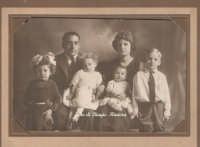 Delle foto antiche di Emigrati in America  Bminiera@gmail.com http://www.kemonia.eu/ http://www.miniera.eu/  - Bisacquino (20589 clic)
