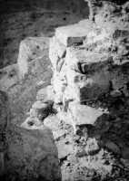 Scomparsa Castello Ventimiglia sul m. Bonifato:Rudere della feritoia nella torre di N-E (1967)  - Alcamo (3520 clic)