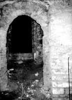 Castello Ventimiglia sul monte Bonifato: i locali della prigione nella torre di sud-ovest (agosto 1966).  - Alcamo (3236 clic)