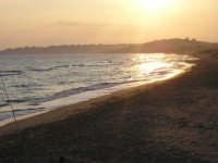Tramonto, spiaggia di Menfi; località Lido Fiore, indescrivibire, vero?  - Menfi (3872 clic)