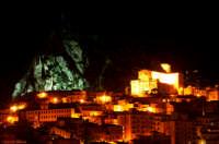 Nicosia e il masso dalle strane facce  - Nicosia (4015 clic)