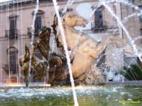 Ortigia piazza Archimede particolare fontana  - Siracusa (1581 clic)