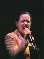 Antonella Ruggiero in concerto a Villa Lampedusa - 2003  - Palermo (5652 clic)