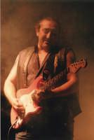 Ghigo Renzulli dei Litfiba in concerto al Palermo Fest 2003  - Palermo (8247 clic)