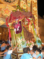 Festa di Maria SS. dei Miracoli e del SS. Crocifisso, protettori di Caltabellotta: il simulacro di Maria SS. dei Miracoli rientra nella Chiesa di Sant'Agostino  - Caltabellotta (2369 clic)