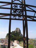 Il Castello e la Chiesa del S Salvatore visti dalla Cattedrale di Caltabellotta  - Caltabellotta (1447 clic)