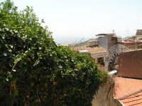 Vista dalla scalinata sotto la rupe Gogala a Caltabellotta  - Caltabellotta (1310 clic)