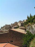 Vista dalla scalinata sotto la rupe Gogala a Caltabellotta  - Caltabellotta (1368 clic)