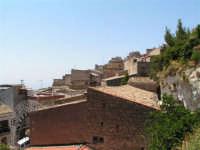Vista dalla scalinata sotto la rupe Gogala a Caltabellotta  - Caltabellotta (1313 clic)