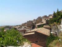 Vista dalla scalinata sotto la rupe Gogala a Caltabellotta  - Caltabellotta (1314 clic)