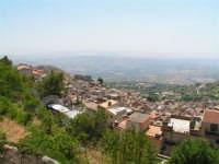 Vista dalla scalinata sotto la rupe Gogala a Caltabellotta  - Caltabellotta (1375 clic)