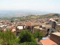 Vista dalla scalinata sotto la rupe Gogala a Caltabellotta  - Caltabellotta (1654 clic)
