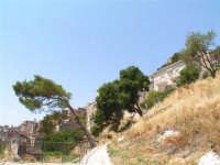 Vista dalla scalinata sotto la rupe Gogala a Caltabellotta  - Caltabellotta (1240 clic)