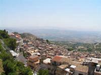 Vista dalla scalinata sotto la rupe Gogala a Caltabellotta  - Caltabellotta (1266 clic)