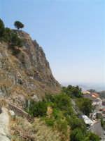 Vista dalla scalinata sotto la rupe Gogala a Caltabellotta  - Caltabellotta (1361 clic)