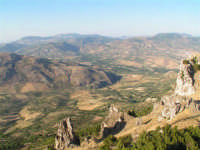 Scorcio di paesaggio dei Monti Sicani visto dal Castello di Caltabellotta  - Caltabellotta (1954 clic)