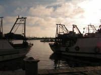 Pescherecci nel porto di Sciacca al tramonto  - Sciacca (1764 clic)