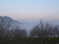 L'arrivo di una velata di foschia durante un tramonto primaverile  - Caltabellotta (1309 clic)