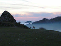L'arrivo di una velata di foschia durante un tramonto primaverile  - Caltabellotta (1295 clic)