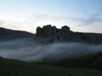 L'arrivo di una velata di foschia durante un tramonto primaverile  - Caltabellotta (1331 clic)