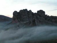 L'arrivo di una velata di foschia durante un tramonto primaverile  - Caltabellotta (1311 clic)
