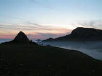 L'arrivo di una velata di foschia durante un tramonto primaverile  - Caltabellotta (1396 clic)
