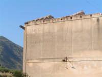 La Ex Linea Ferroviaria Burgio - San Carlo - Castelvetrano: Particolare della ex stazione capotronco di San Carlo  - San carlo di chiusa sclafani (2576 clic)