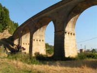 La Ex Linea Ferroviaria Burgio - San Carlo - Castelvetrano: Viadotto sul fiume Sosio nei pressi di San Carlo  - San carlo di chiusa sclafani (1691 clic)