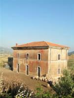 La Ex Linea Ferroviaria Burgio - San Carlo - Castelvetrano: Ex Fermata San Giacomo  - San carlo di chiusa sclafani (2654 clic)