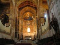 Vista interna dell'altare Maggiore del Duomo di Monreale  - Monreale (4015 clic)
