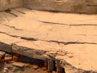 Terme di Bagnoli - Il calidarium con pavimentazione a mosaico geometrico.  - Capo d'orlando (11790 clic)