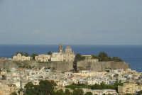 Il Castello ed il centro urbano  - Lipari (3159 clic)