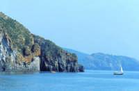 La costa sud dell'isola.  - Lipari (3000 clic)