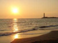 tramonto al faro  - Torretta granitola (4694 clic)
