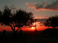 tramonto a piazza belvedere  - Sommatino (4152 clic)