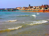vista dalla spiaggia est lungomare vecchio  - Donnalucata (3061 clic)