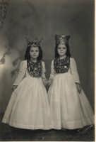 Festa Ranni1958 le bambine che impersonano S.Agata e Santa Caterina d'Alessandria  - Alì (4805 clic)