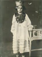 Festa Ranni1938 bambina che impersonò S.Agata  - Alì (4821 clic)