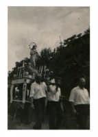 Processione anni '50 di Santa Maria dalla chiesetta del bosco verso il paese  - Alì (4529 clic)