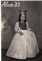 Festa Ranni 1958 la bimba interprete di S.Agata con l'abito del terzo giorno di festa  - Alì (3202 clic)