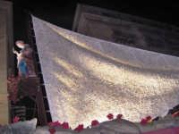 Carro trionfale con Santa Rosalia e la bellezza del cristallo Swarovski incastonato nella vela di 100 mq.  - Palermo (6663 clic)