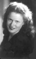 Mia madre negli anni 40  - Catania (3197 clic)