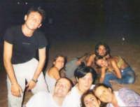 ragazzi in spiaggia per la notte di s.Lorenzo  - Playa grande (20054 clic)