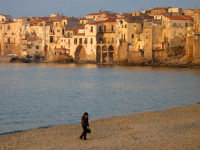 Cefalù, ora del tramonto...  - Cefalù (1456 clic)