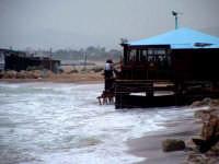 Chiosco sulla spiaggia di S.Leone...ormai sul mare...  - San leone (8290 clic)